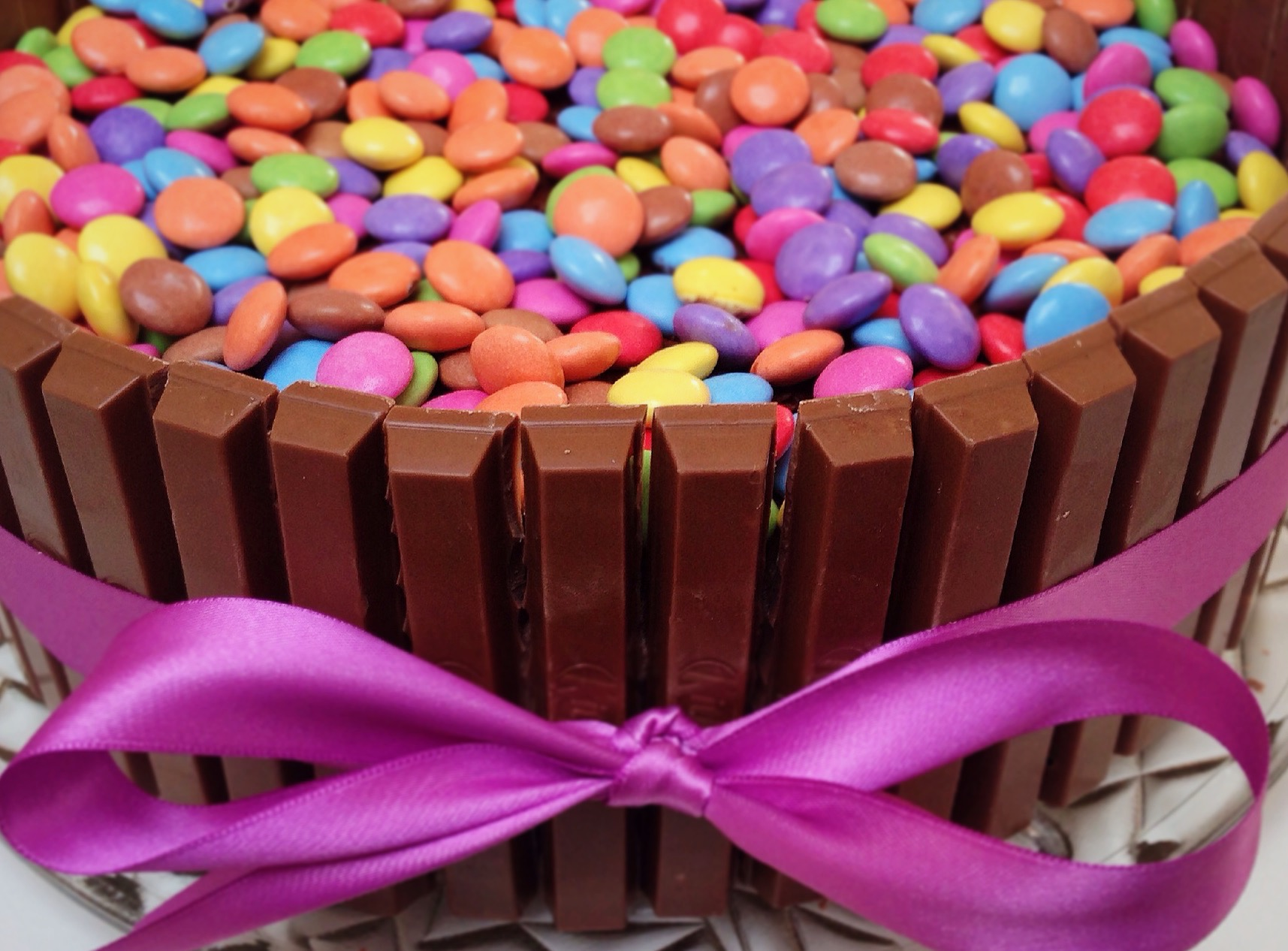 Kitkat Kuchen Mit Smarties Amazing Kit Kat Beerentorte