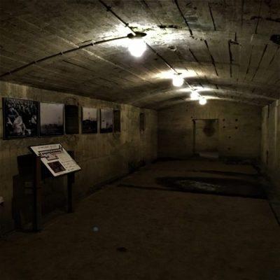鹿屋市串良町有里に残る「鹿屋地下壕第一電信室」