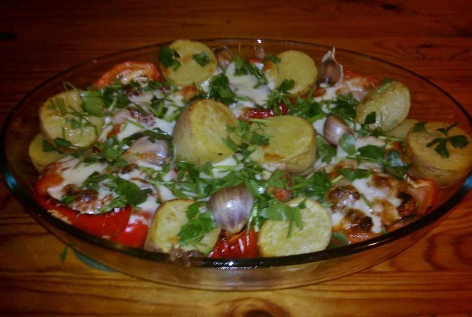 Papryka nadziewana z ziemniakami i czosnkiem