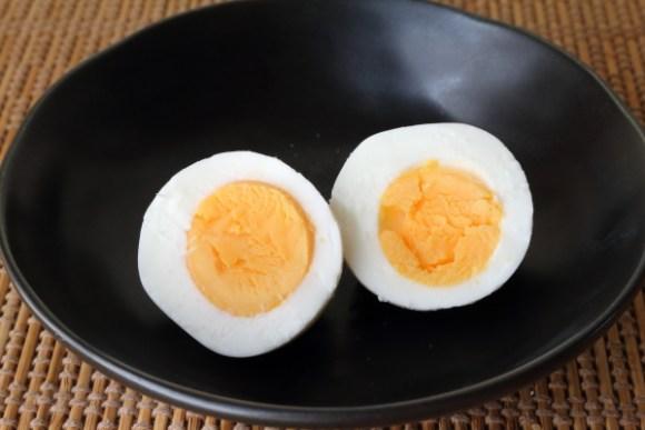 ゆで卵少ない水で固茹で