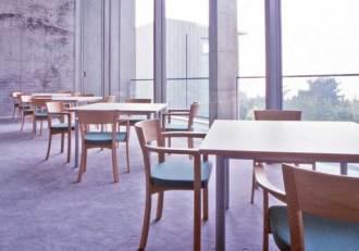 レストラン 椅子・テーブル