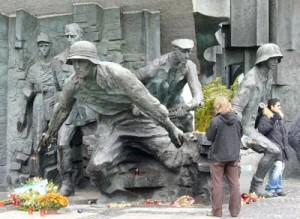 Monumentalny pomnik ku czci bohaterów powstania wybudowany został dopiero w 1989 r. Fot. Stanisław Tarasiewicz