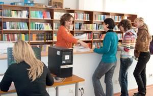 Studenci wileńskiej filii Uniwersytetu w Białymstoku zostali potraktowani po macoszemu przez autorów Ustawy o szkolnictwie wyższym Fot. Marian Paluszkiewicz