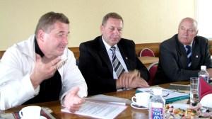 Od lewej siedzą: Dariusz Wojciech Saweliew, Tadeusz Chołko, Henryk Butkiewicz Fot. archiwum ASRW