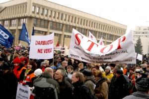Przeciwnicy Porozumienia Narodowego nie planują akcji protestacyjnych, lecz zapowiadają, że wiosną mogą być spontaniczne manifestacje niezadowolonych z polityki obecnego rządu Fot. Marian Paluszkiewicz