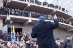 Przedstawiciele opozycji próbowali zaskarbić zaufanie zgromadzonych wznosząc populistyczne hasła