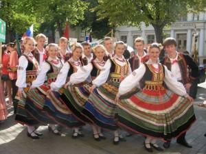Grupa średnia tancerzy podczas Dni Kłajpedy 2009