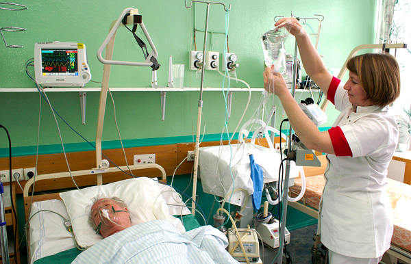 Kontrowersyjna reforma służby zdrowia przynosi korzyść?