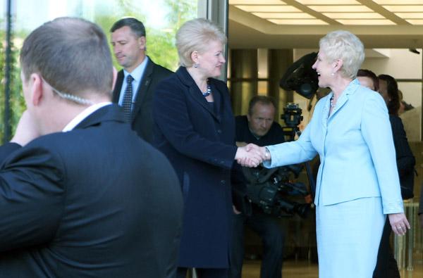 Władze Litwy obiecują rozpocząć dialog z Polakami
