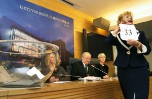 Zaproponowana przez prezydent nowelizacja Ustawy o Finansowaniu Partii Politycznych ma przenieść ciężar finansowania partii politycznych na barki budżetu państwa oraz społeczeństwa  Fot. Marian Paluszkiewicz