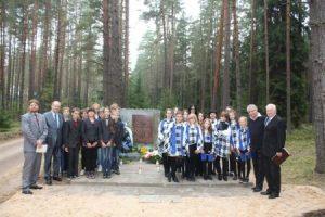 Starostwo miasta Niemenczyna od 1993 roku tradycyjnie organizuje upamiętnienie bestialsko zamordowanych mieszkańców.