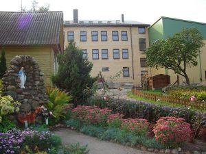 Odbudowa Szkoły Średniej im. św. J. Bosko w Jałówce ma być zakończona w końcu roku 2013    Fot.  archiwum szkoły