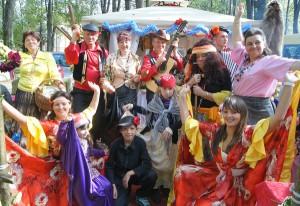Stołectwo z Kamionek wyglądało jak prawdziwy tabor Cyganów Fot. Marian Paluszkiewicz