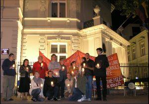 Nocna akcja protestacyjna pod ambasadą Litwy w Warszawie Fot. Marcin Olszewski