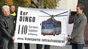 Pikietujący pytali gdzie zaginęło unijnych 140 mln litów  Fot. Marian Paluszkiewicz