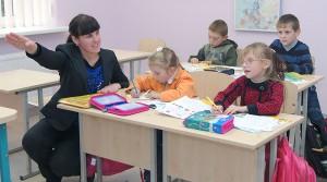 Anna Prontkielewicz prowadzi lekcję języka litewskiego Fot. Marian Paluszkiewicz