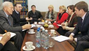 Członkowie Kapituły uwzględniali wkład każdego kandydata w dziedzinę rozwoju kultury polskiej na Litwie Fot. Marian Paluszkiewicz