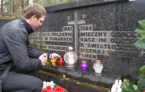 Złożyć hołd pomordowanym Polakom      Fot. Marian Paluszkiewicz
