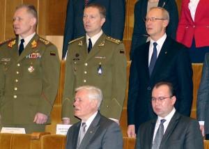 """Były prezydent Valdas Adamkus """"nie pogardził"""" zaproszeniem i był obecny na zaprzysiężeniu nowego Sejmu Fot. Marian Paluszkiewicz"""