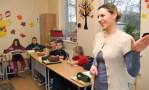 Renata Tomaszewicz dwoi się i troi się w klasie II-IVFot. Marian Paluszkiewicz