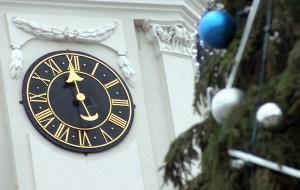 Tarcza zegara dzwonnicy Katedry Wileńskiej, według starych tradycji, ma tylko jedną wskazówkę Fot. Marian Paluszkiewicz