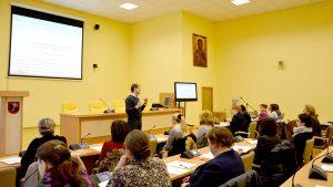 Dyskusja o młodzieży w siedzibie Samorządu Rejonu Wileńskiego