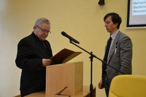 Podczas sesji rady zaprzysiężony został nowy radny Vytautas Zinkevičius