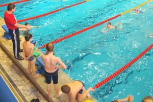 W basenie codziennie ćwiczy po 500-600 dzieci Fot. Marian Paluszkiewicz