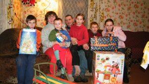 Wręczono 167 prezentów dla dzieci z rodzin ryzyka socjalnego