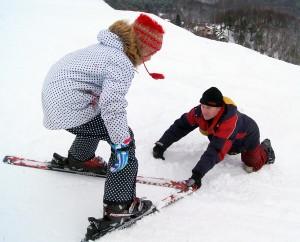 Jaunutėnas ma ponad 70 lat, ale nadal uczy chętnych narciarstwa i sam bez mniejszego trudu uprawia ten sport Fot. Marian Paluszkiewicz