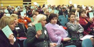 Delegaci jednogłośnie poparli kandydatury prezesa Józefa Kwiatkowskiego i wiceprezesa Krystyny Dzierżyńskiej Fot. Alina Sobolewska