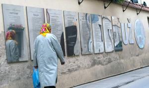 Konstytucja Republiki Zarzecza została przetłumaczona na kilkanaście języków, w tym na polski, hebrajski, gruziński oraz żmudzki, którego oficjalnie na Litwie nie ma Fot. Marian Paluszkiewicz