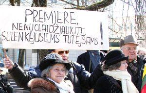 Choć rząd Algirdasa Butkevičiusa wydaje się nie ulega naciskom nacjonalistów, to jednak nie śpieszy, bądź nie potrafi, sprawnie rozstrzygnąć sprawy pisowni polskich nazwisk Fot. Marian Paluszkiewicz