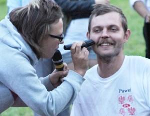 Uczestnik Paweł, w imię zwycięstwa ofiarował swoją brodę! Fot. Jolanta Paluszkiewicz