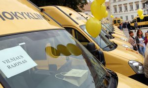 Do rejonu wileńskiego trafiły 2 szkolne autobusy, do solecznickiego — 1 autobus Fot. Marian Paluszkiewicz