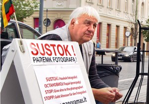 Kostas Šukevičius zbiera pieniądze na realizację projektu fotograficznego Fot. Marian Paluszkiewicz