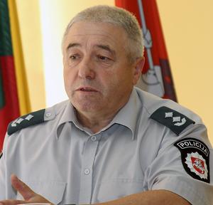 Nadkomisarz Józef Kuźmicki, kierownik Komisariatu Policji rejonu wileńskiego Fot. Marian Paluszkiewicz