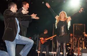 Publiczność wileńska została wciągnięta do wspólnej zabawy, także na scenie Fot. Marian Paluszkiewicz