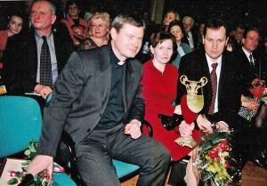 """Podczas finału plebiscytu """"Polak Roku 2005"""", którego to pan Waldemar Tomaszewski był zwycięzcą dwukrotnie (2001) Fot. z albumu rodzinnego"""
