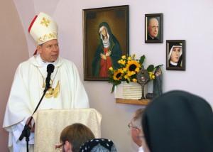 Jego Ekscelencja w wileńskim hospicjum Fot. Marian Paluszkiewicz