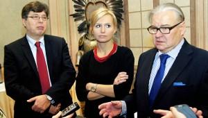 Członkowie komisji kwalifikacyjnej - Tadeusz Aziewicz, Marta Żurawek i Michał Talaga-Sławoj – mówili, że efekt obecności stażystów w Warszawie będzie największy zarówno z punktu budowania relacji polsko-litewskich,jak i ich osobistego rozwoju     Fot. Marian Paluszkiewicz