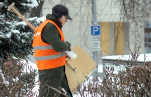 Najtrudniej dozorcom bywa nie podczas mroźnej, a podczas śnieżnej zimy  Fot. Marian Paluszkiewicz