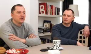 Bernard (od lewej) i Robert Niewiadomscy podkreślają, że prowadząc biznes, należy ciągle dążyć do doskonalenia się i nawiązywania nowych kontaktów Fot. Marian Paluszkiewicz