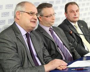 Alfonsas Daniūnas powiedział, że tym projektem muszą zaciekawić się nie tylko przyszli studenci, ale także ich rodzice Fot. Marian Paluszkiewicz