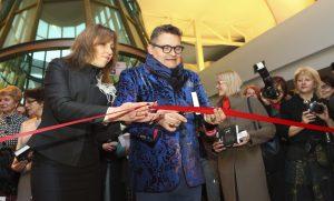 Aleksander Wasiljew osobiście otworzył swoją nową wystawę w Wilnie  Fot. ELTA