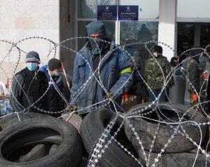 Separatyści włamali się do zbrojowni ukraińskich służb i przejęli ponad tysiąc sztuk broni Fot. ELTA