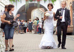 Wraz z ostatnim miesiącem wiosny rozpoczyna się też sezon hucznych wesel.