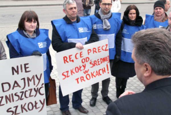 Sprawa akredytacji szkoły w Trokach nadal aktualna