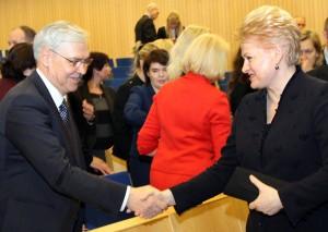 Przed pierwszą turą głosowania uprzejmi wobec siebie Balčytis i Grybauskaitė przed drugą turą rozpoczęli ostrą polemikę, nie przebierając w słowach i oskarżeniach Fot. Marian Paluszkiewicz