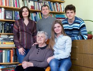 Najmilsze chwile: pani Helena z rodziną córki Irenki Fot. Marian Paluszkiewicz